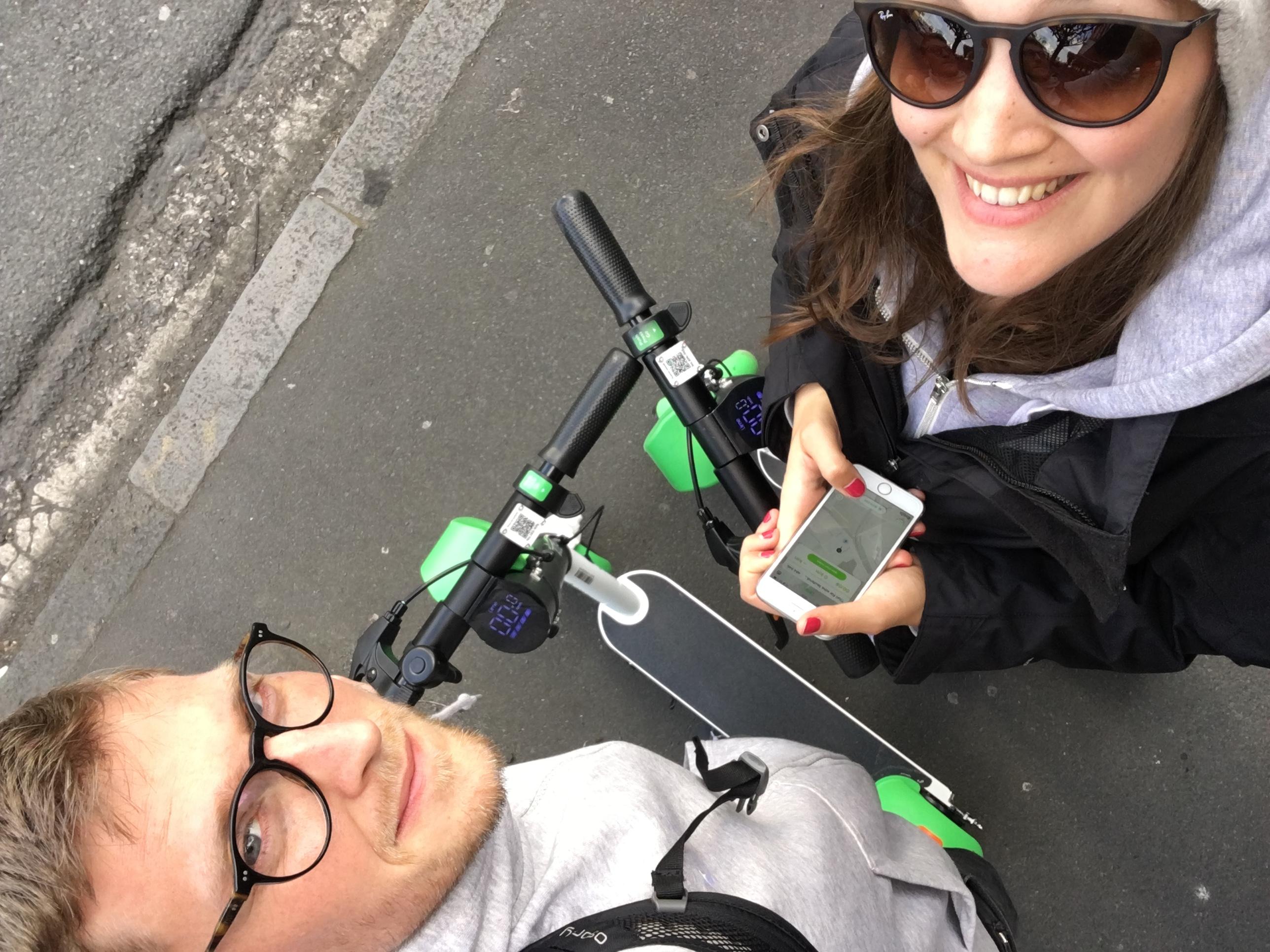 Mit der App lassen sich die Scooter finden.