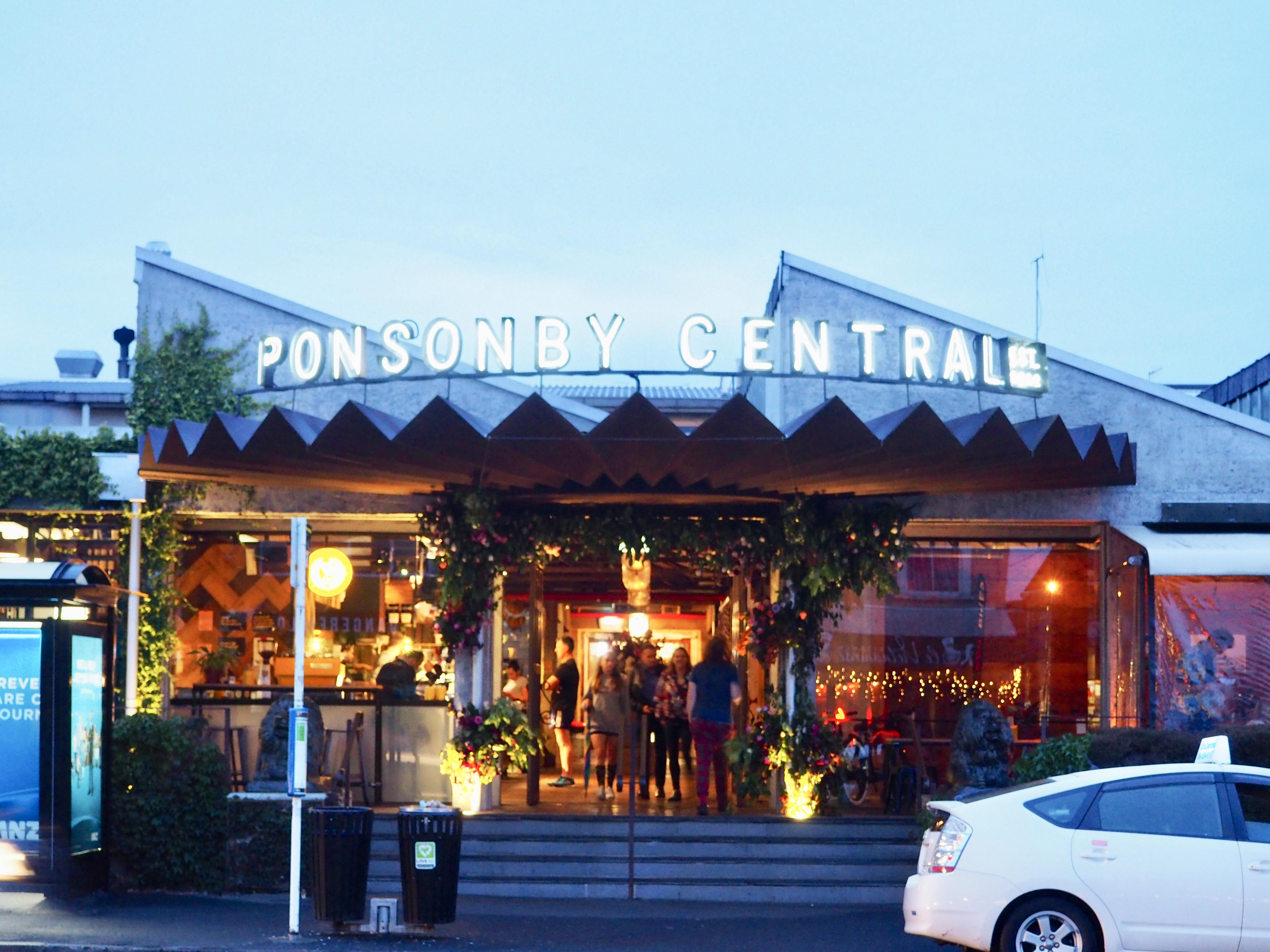 Der Eingang zu Ponsonby Central