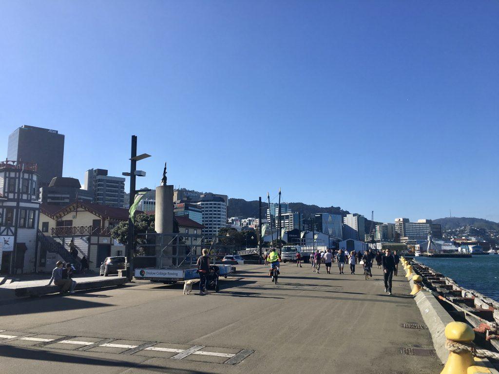 Blick auf die Hafenpromenade von Wellington.